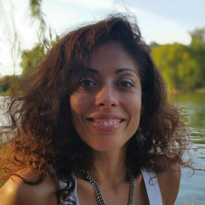 Biographie – Caroline Ramos